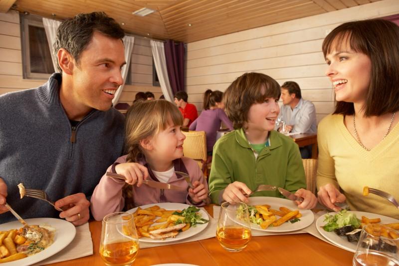 Manger au restaurant avec les enfants compatible avec la for Cuisine grande famille limoges